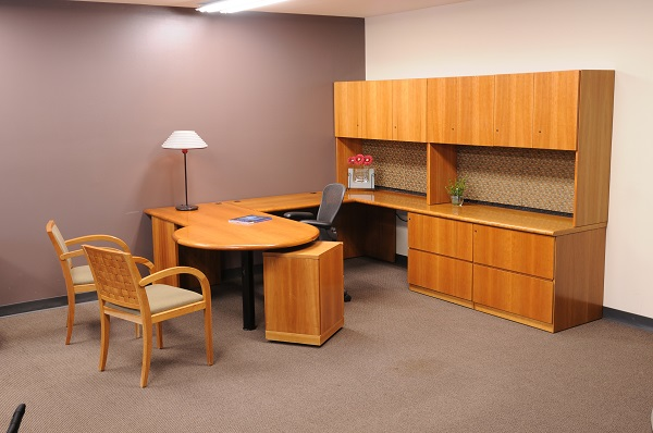 What to Consider When Buying Pre-Owned Office Desk in Houston